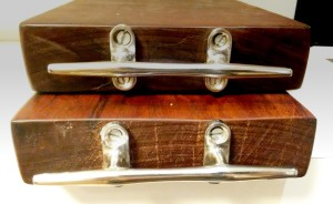 Detalhes das alças em aço inox da Taubá