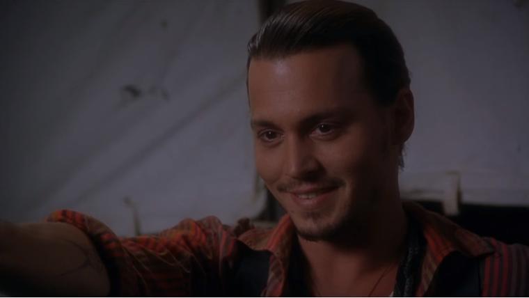Johnny Depp mostra toda sua beleza em par romântico com Juliette Binoche