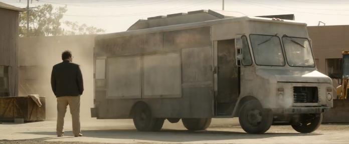 Cena do filme Chef, que, demitido de um retaurante, parte para um food truck