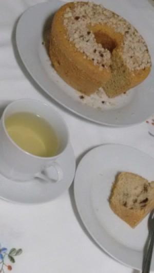 Um chá de erva doce, ótimo parceiro para o lanche da tarde