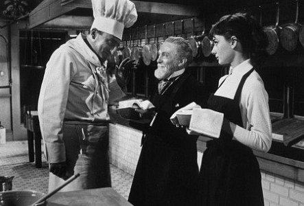 """Cena do filme 'Sabrina"""" em restaurante"""